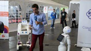 casual-robots3-en-artificial-expo-de-grupo-add