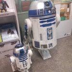 casual-robots4-en-artificial-expo-de-grupo-add