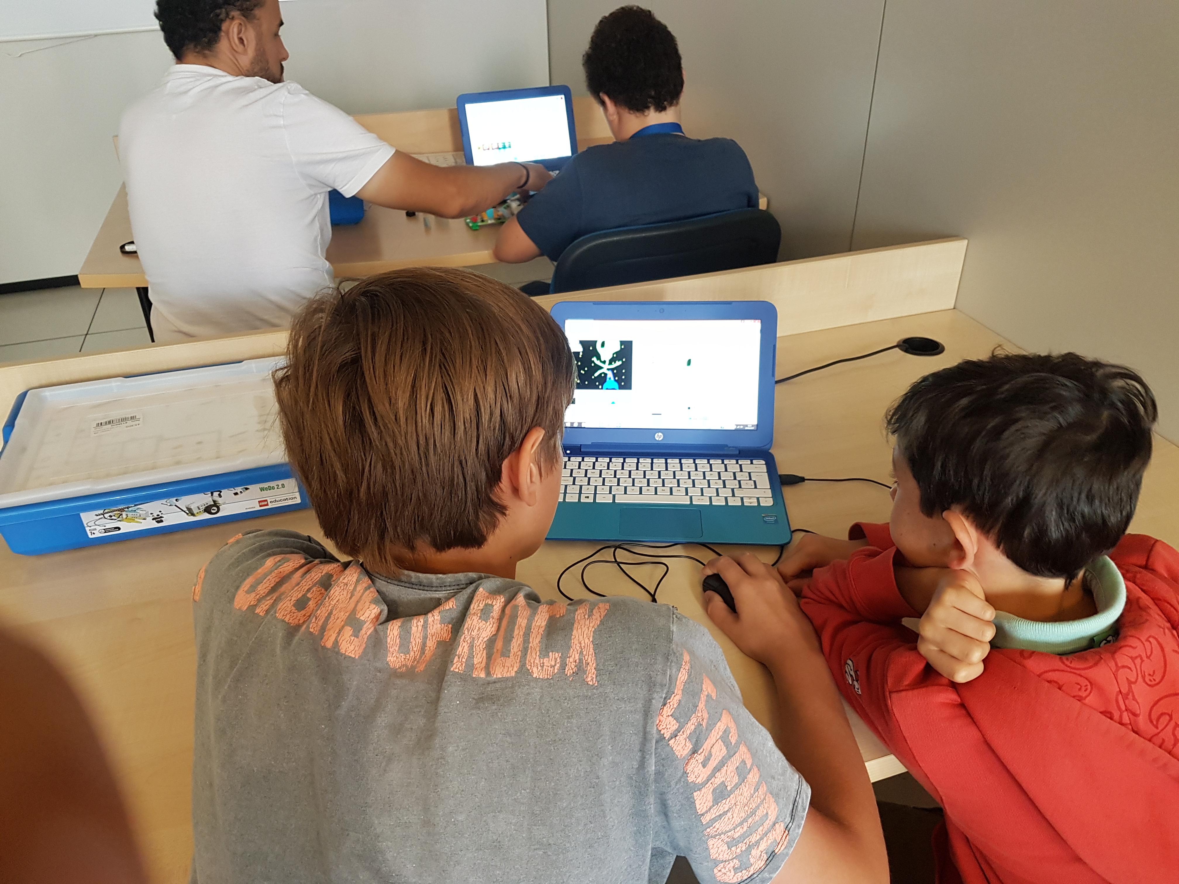 Nuestros hijos los nativos digitales - Artificial Expo Grupo ADD