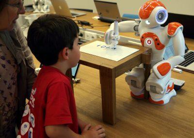 Aula del Futuro1 - Artificial Expo Grupo ADD